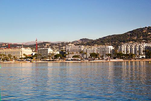 Photo du chantier de l'émissaire eaux pluies sur la plage de Cannes - Interplast